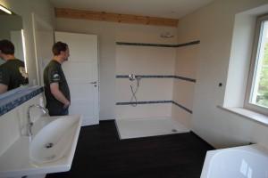 Dusche, Tür, Waschbecken