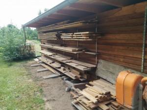 Holzlager am Carport