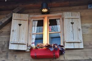 Bei regelmäßiger guter Pflege bleiben Holzfenster über Jahrzehnte ansehnlich und funktional.
